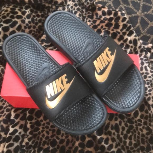 475bfac1c7e Black   Gold Nike Slides. M 5bc12004951996ce8135dfdb